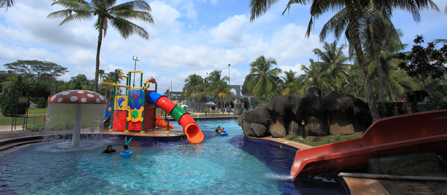 Starhill golf country club water park Public swimming pool in johor bahru